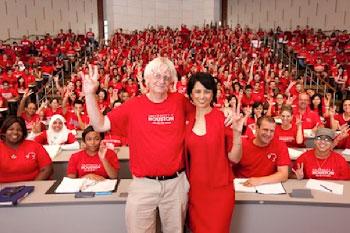 Professor Bott and UH President Khator show school spirit in one of Bott's classes.