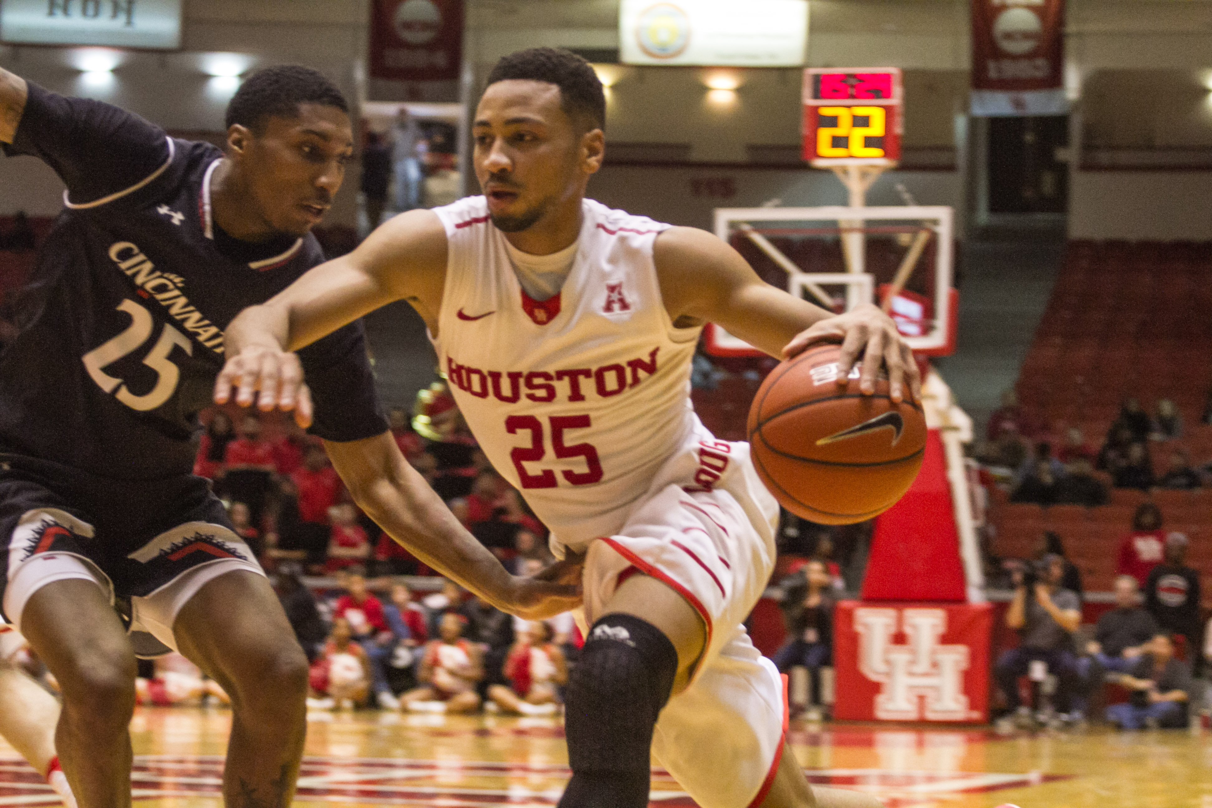 NCAAM Basketball Houston Cougars Vs Cincinnati Bearcats