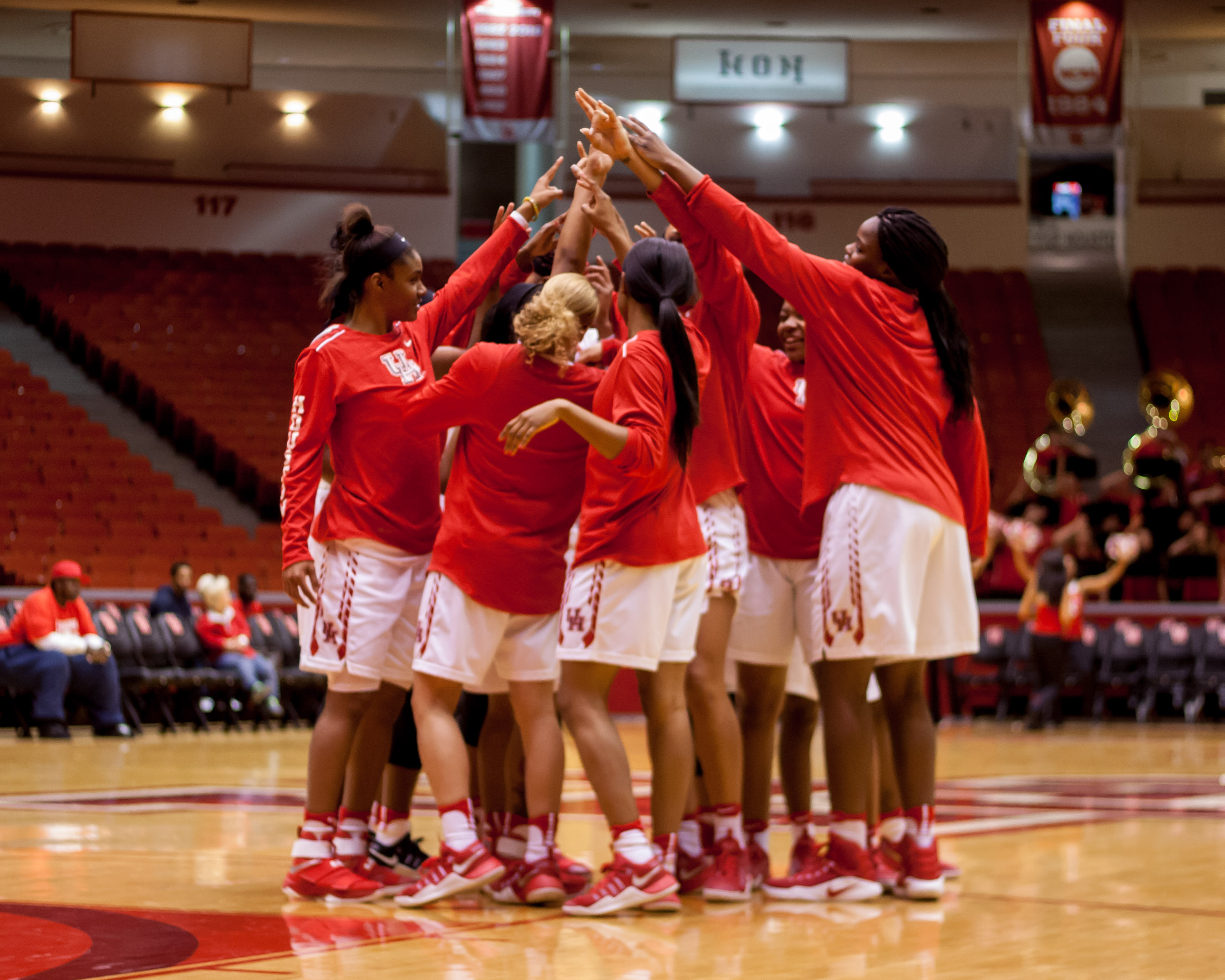 pavilion cougar women Houston – the houston cougar women's basketball team returned to the friendly confines of hofheinz pavilion with a 79-63 victory over college of charleston on sunday.