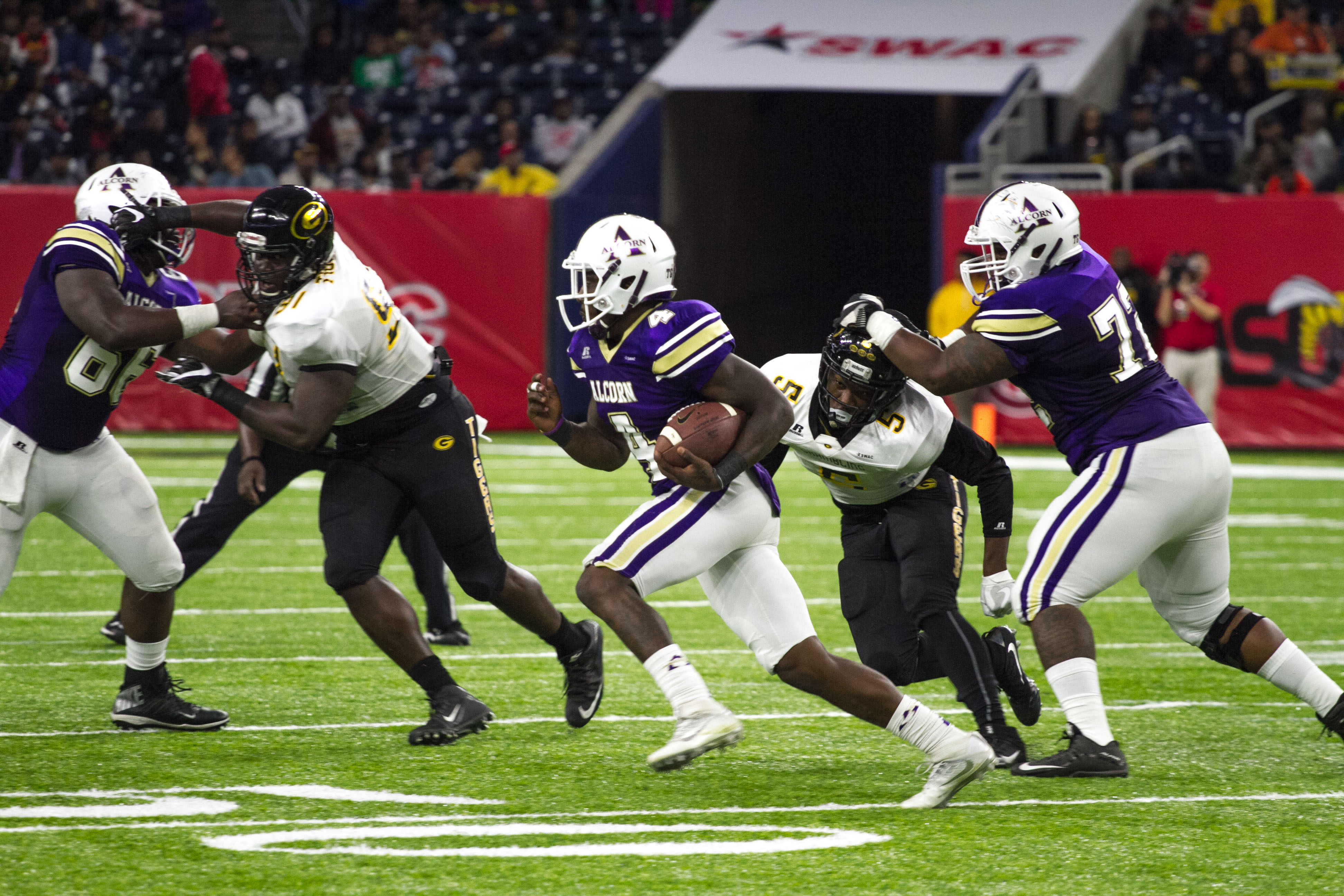 College Football Swac Championship Game Alcorn State Braves Vs Grambling State Tigers The Venture